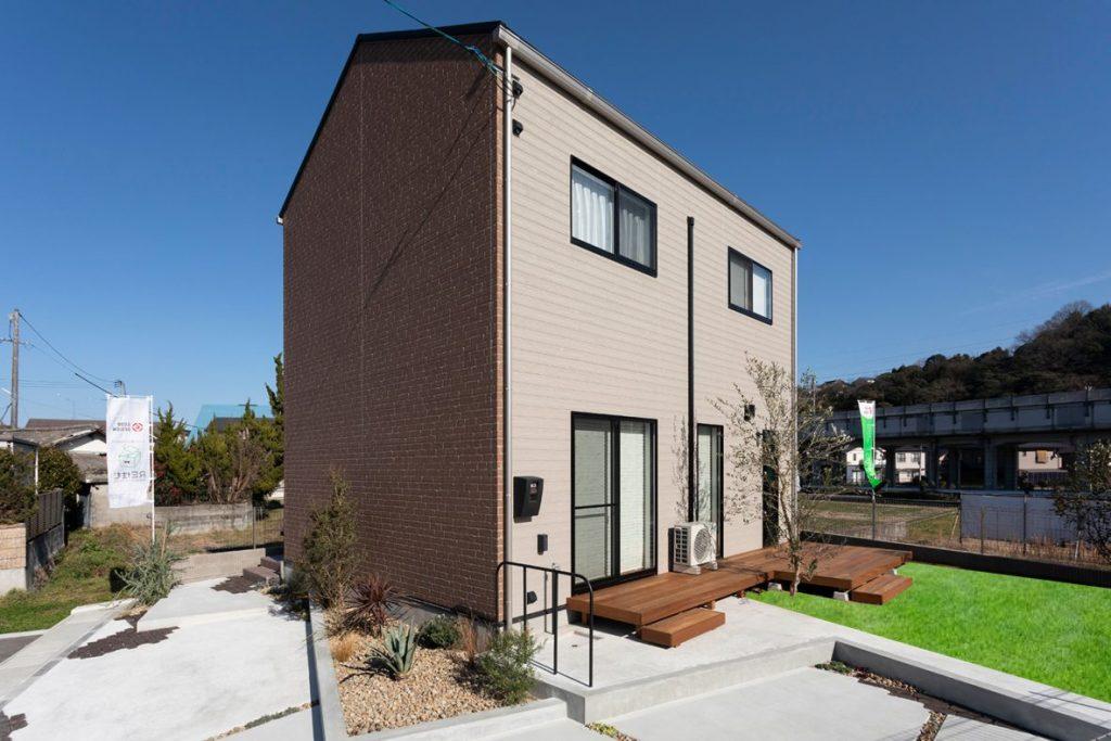 廿日市市新築注文住宅施工例 美容室を併設したデザイン住宅(店舗併用住宅)